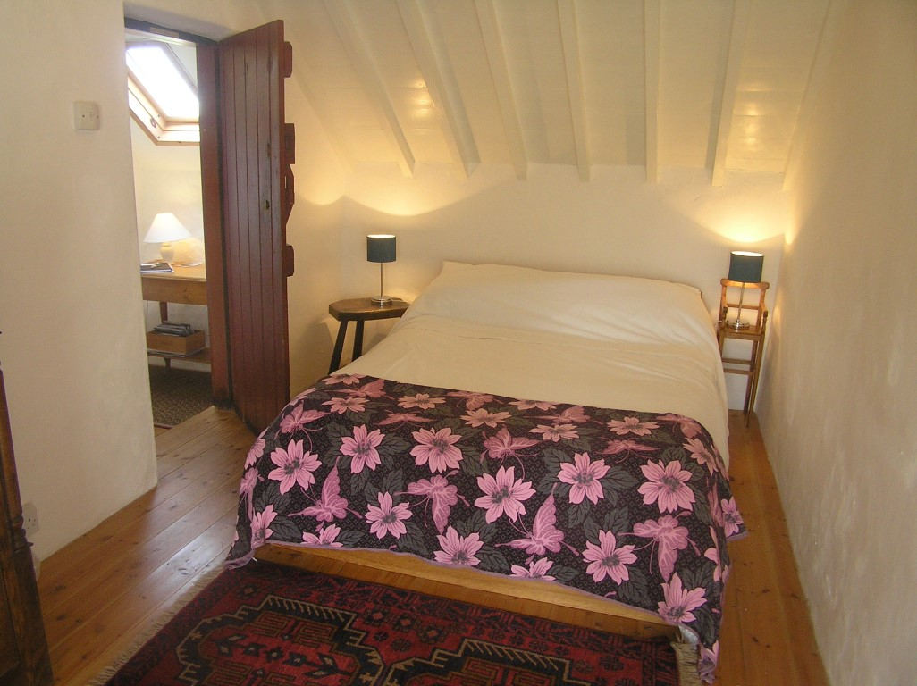 cosy & romantic double bedroom Bed and Breakfast, Anglesey